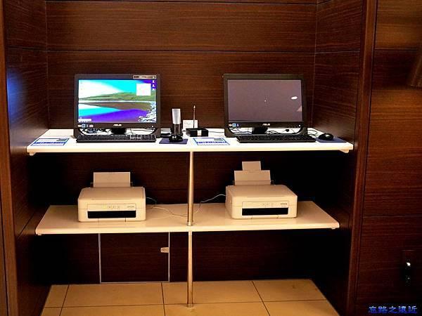 6大廳電腦.jpg