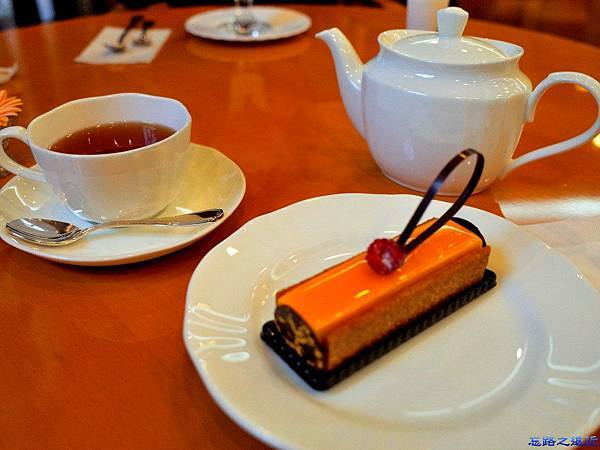 17神戶patisserie gregory collet tea with ビジュー.jpg