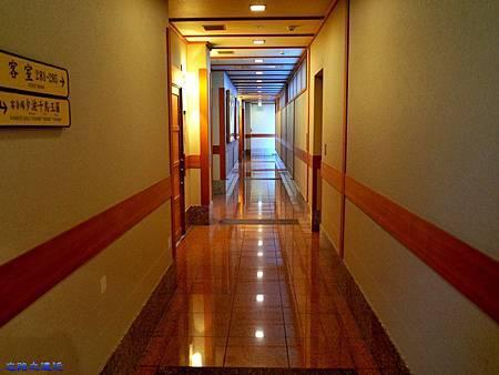 11綠水亭客室走道.jpg