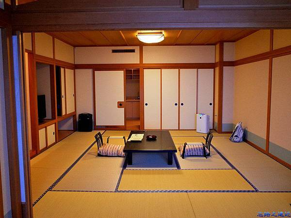 16綠水亭客室面入口.jpg