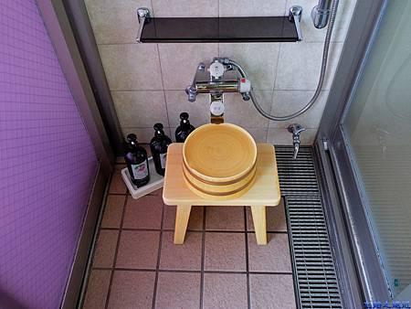 21綠水亭客室溫泉盥洗處.jpg