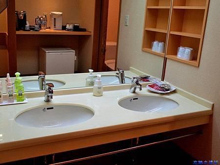 25綠水亭客室盥洗室.jpg