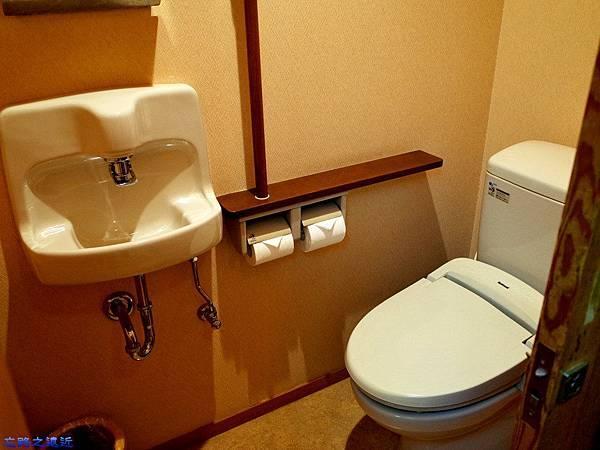 27綠水亭客室洗手間.jpg