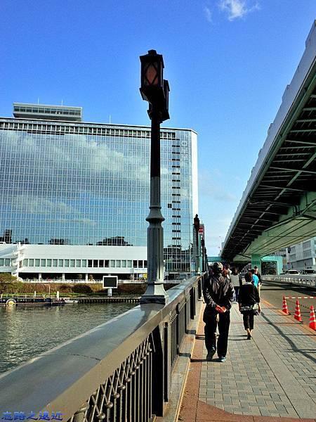 41大阪天滿橋北向南.jpg