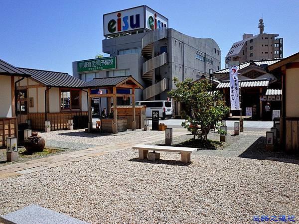 12近鉄伊勢站前伊勢器市.jpg