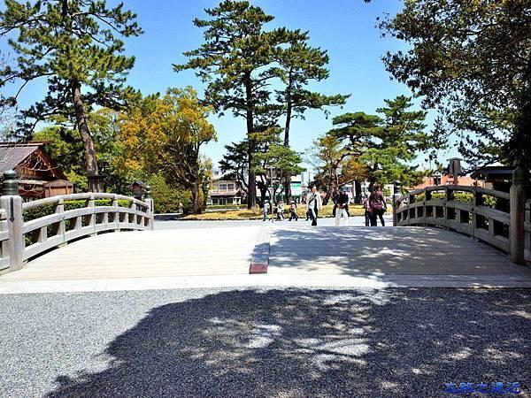 28伊勢神宮外宮參道前火除橋.jpg