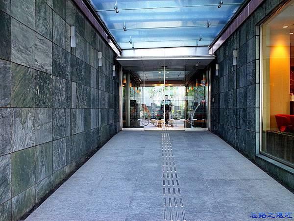 18Richmond Hotel 納屋橋入口.jpg