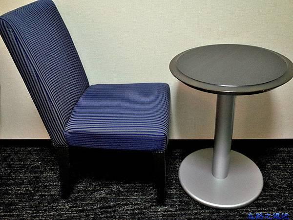 37Richmond Hotel 納屋橋房內小桌椅