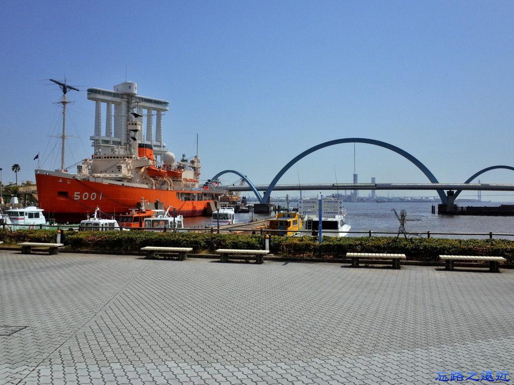 8名古屋港南極探測船.jpg