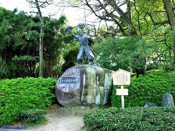6名古屋城清正公石曳きの像.jpg
