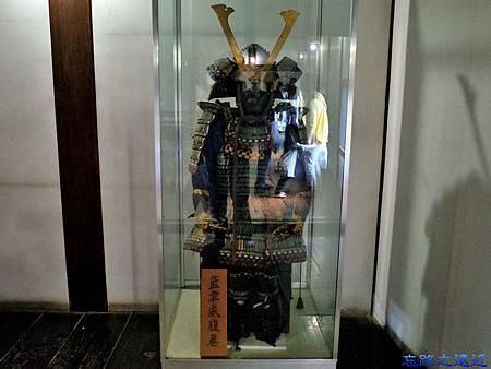15犬山城天守閣一樓盔甲展示.jpg