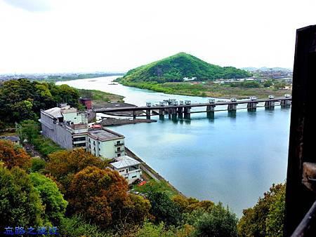 20犬山城天守閣一樓望犬山橋.jpg