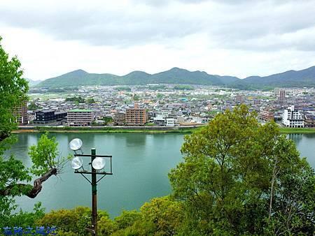 25犬山城天守閣二樓望木曾川.jpg