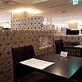 4大阪なんばCITY Shakers Cafelounge 內部.jpg