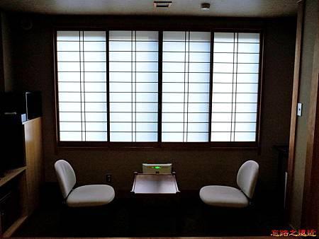 14大町溫泉織花房間窗緣.jpg