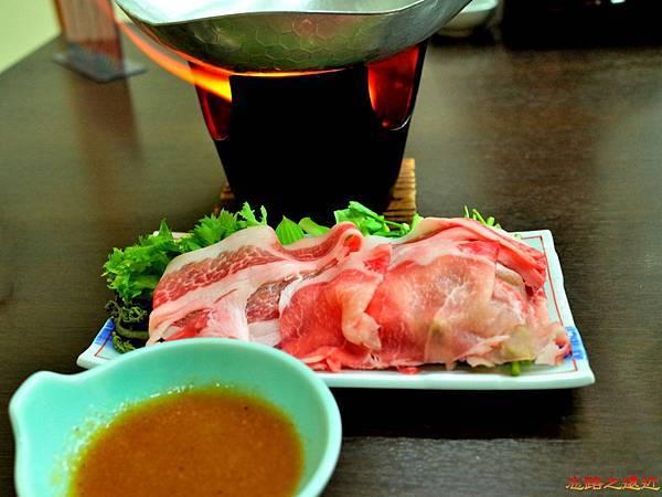 30大町溫泉織花晚餐台物.jpg