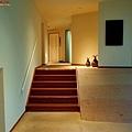 16無何有櫃檯右側階梯.jpg