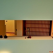 18無何有櫃檯右側階梯旁斜坡小飾品.jpg