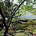 20安樂寺池塘處望本堂.jpg