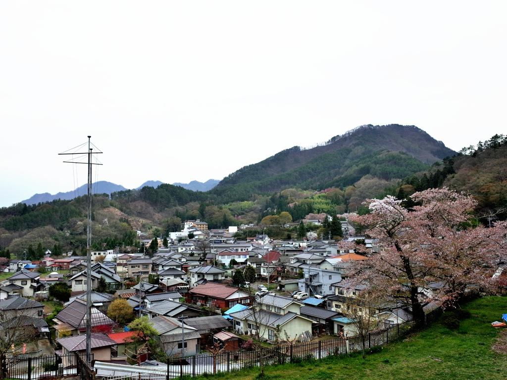 23常樂寺下山俯瞰別所溫泉.jpg