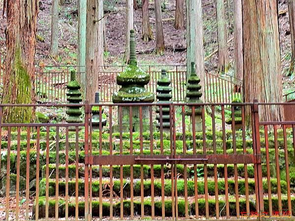 23常樂寺石造多寶塔-1