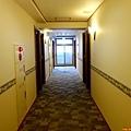 35一關東橫inn房間走廊.jpg