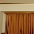 39一關東橫inn房間窗戶.jpg