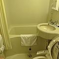 40一關東橫inn盥洗室.jpg
