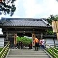 10中尊寺本堂山門.jpg