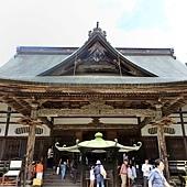 13中尊寺本堂.jpg