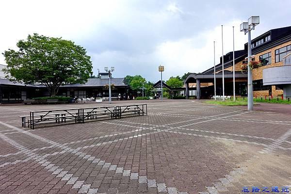 5盛岡手作村表演廣場.jpg