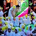 28弘前睡魔祭保育園小朋友與燈籠.jpg