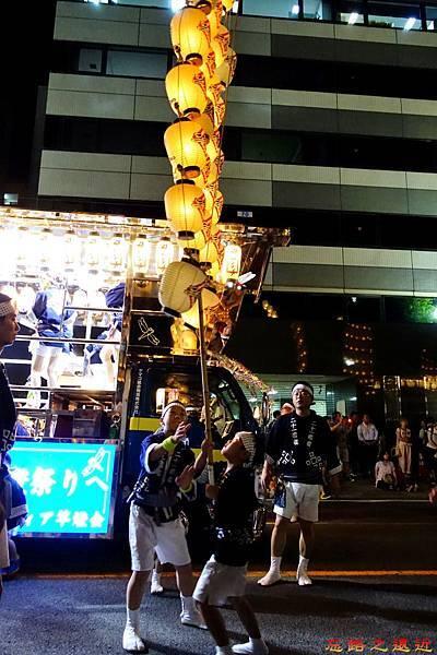 25竿燈祭第二段小若舉燈-流し.jpg
