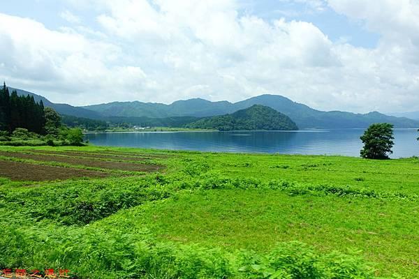 10巴士上田澤湖景觀-2.jpg