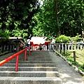 28田澤湖御座石神社階梯.jpg