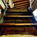 8角館西宮家文庫藏樓梯.jpg