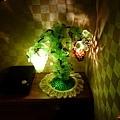 32都わすれ房間臥室-檯燈.jpg