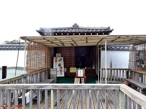 13和歌山城御橋廊下二之丸側出入口.jpg