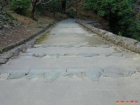17和歌山城登山台階-2.jpg