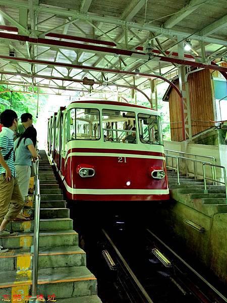 2高野山纜車-極樂橋.jpg