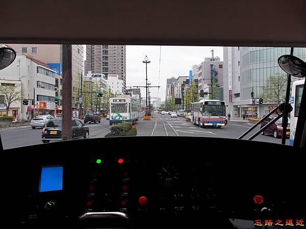 3岡山MOMO電車駕駛區.jpg
