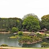 15岡山後樂園唯心山望中之島島茶屋.jpg