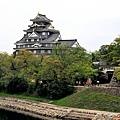 30岡山後樂園月見橋望岡山城.jpg