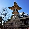 17吉備津彥神社大燈籠-1.jpg
