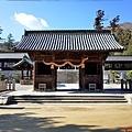 15吉備津彥神社隨神門.jpg