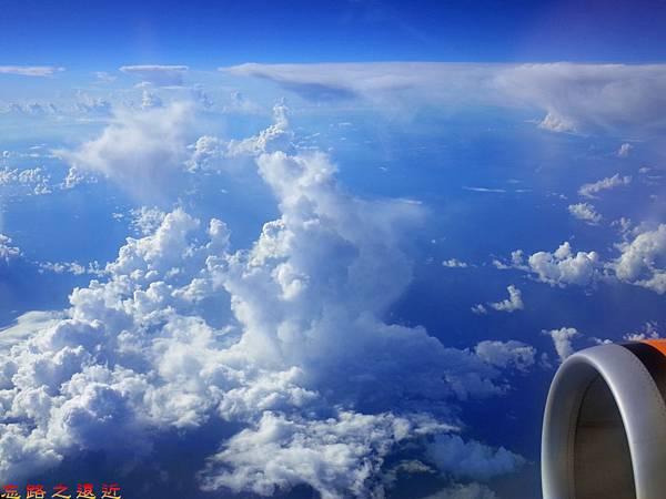 9虎航機上望外.jpg