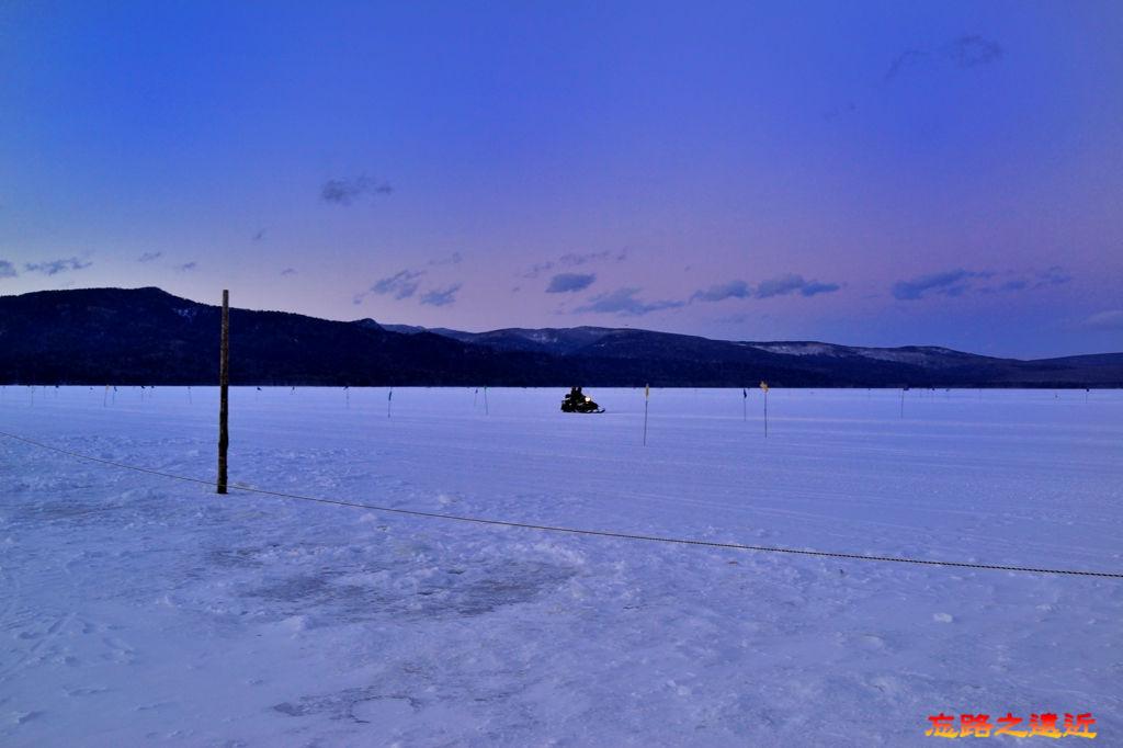 31阿寒湖冰上摩托車-2.jpg