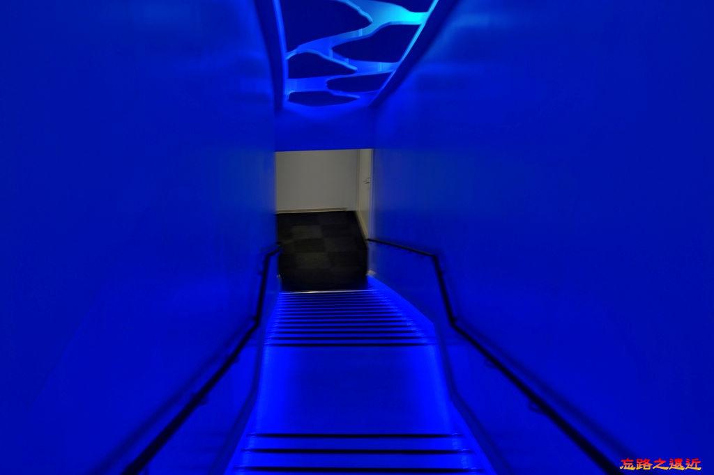 8天都山流冰館往地下室樓梯.jpg