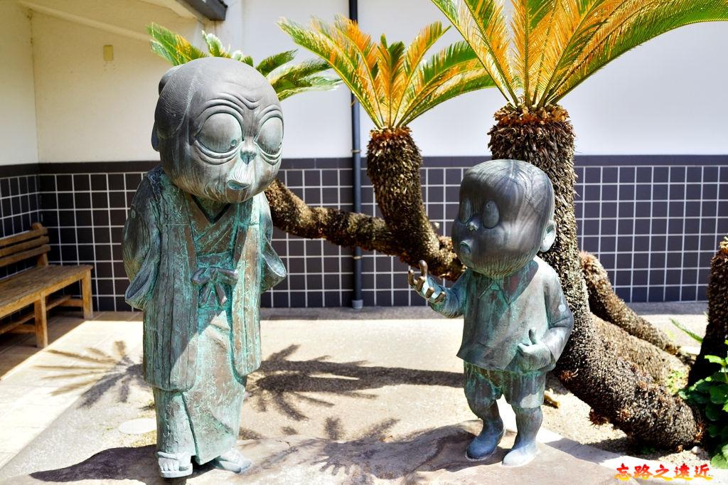 34境港水木茂紀念館入口雕像.jpg