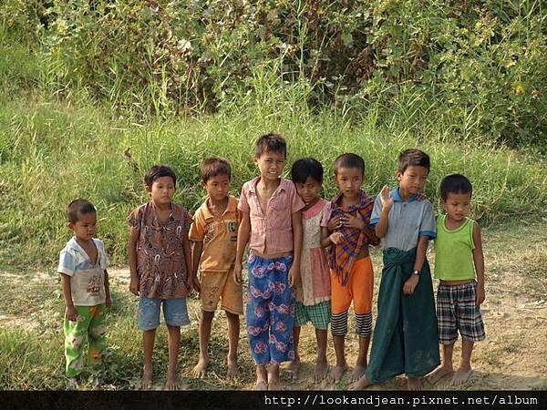 熱情的緬甸小孩